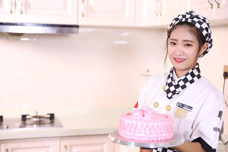 西安学蛋糕烘焙来陕西新东方